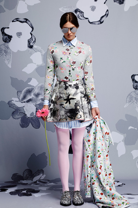 images/cast/20151000010000010=Resort 2015 COLOUR'S COMPANY fabrics x=Thom Browne